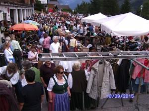 Fetzenmarkt beim Zeughaus in Grundlsee